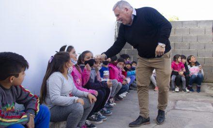 El Intendente compartió una tarde de juegos con los niños y niñas del espacio Casita