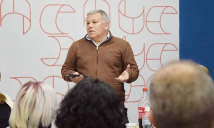 El Intendente Benedetti agradeció la labor y vocación de cada uno de los docentes de Arroyito y anexos rurales