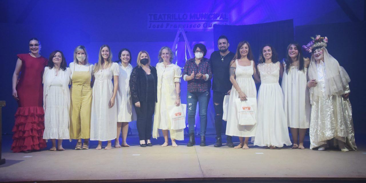 Un fin de semana a puro arte y teatro: Exitosa función de la casa de Bernarda Alba