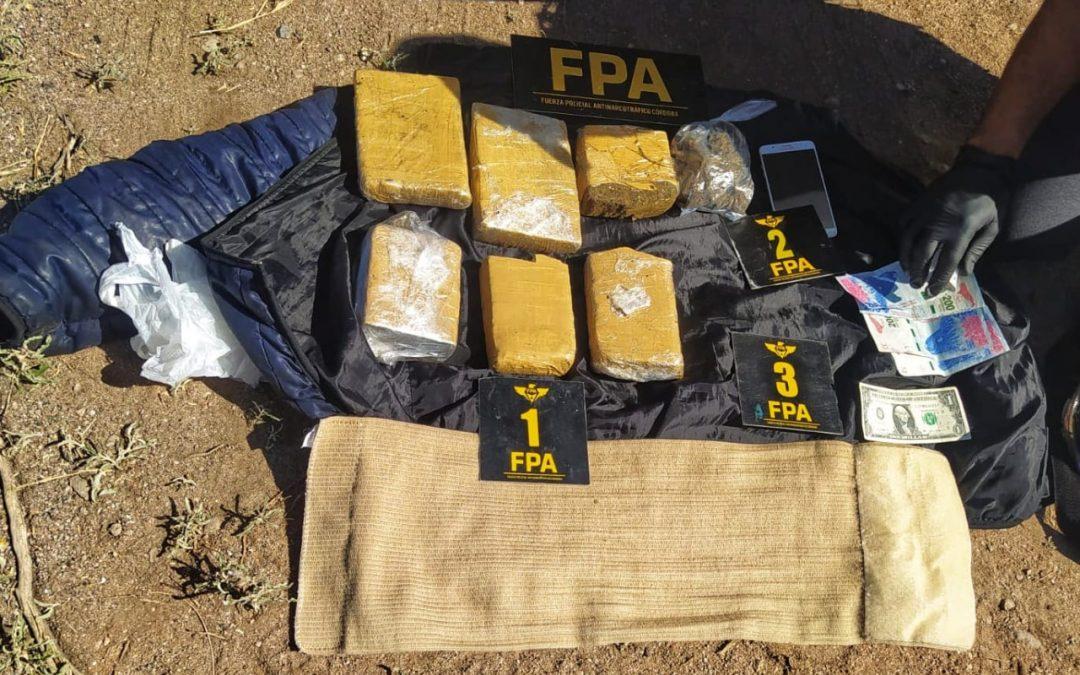 FPA sorprendió a una pareja con seis ladrillos de marihuana sobre Ruta Provincial 16